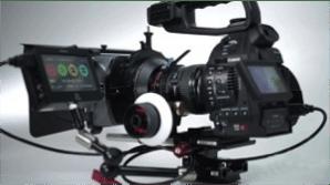 Kamery ze zmienną optyką Canon C-100